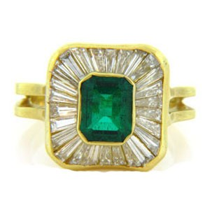 FS3324 Diamond and Emerald Ring