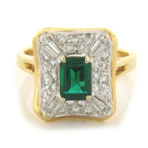 FS3594 Diamond and Emerald Ring