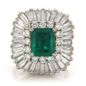 FS3753 Diamond and Emerald Ring