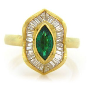 FS3780 Diamond and Emerald Ring