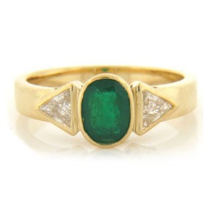 FS3788 Diamond and Emerald Ring