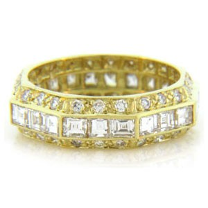 WB2562 Diamond Wedding Ring