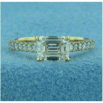 AFS-0208  Diamond Engagement Ring with Sidestones