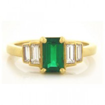 FS3771 Diamond and Emerald Ring
