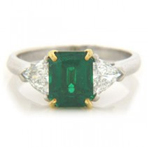 FS3789 Diamond and Emerald Ring